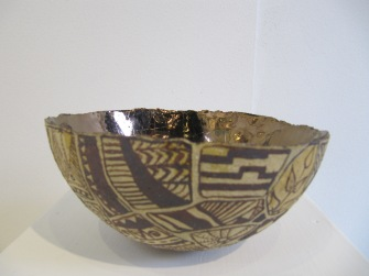 Bowl with painted fragments 004