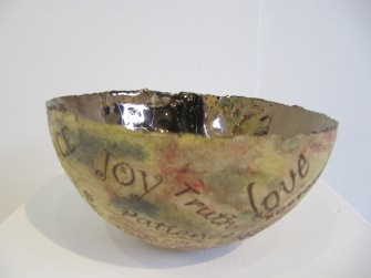 Bowl with words 003